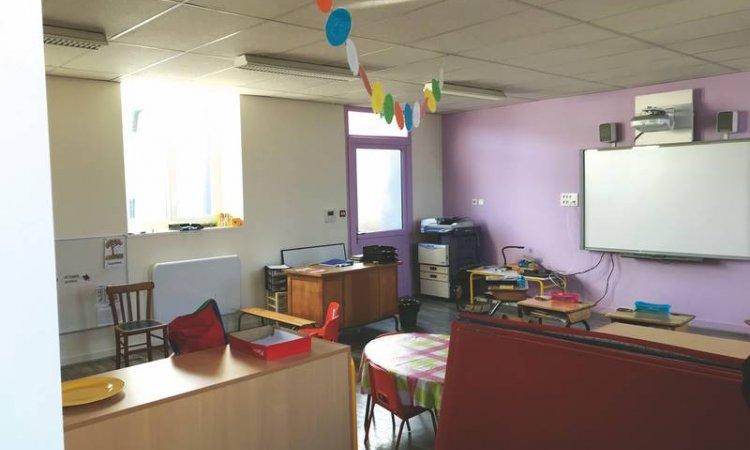 Ecole et foyer rural au Brugeron