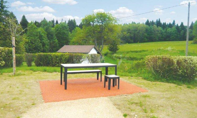 Aire de repos à Saint-Pierre-La-Bourlhonme